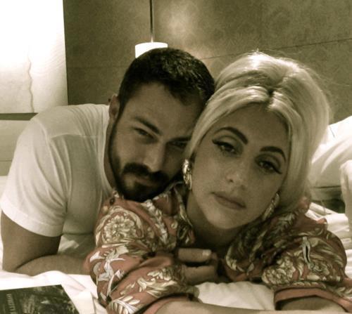 Lady Gaga se casa con su novio
