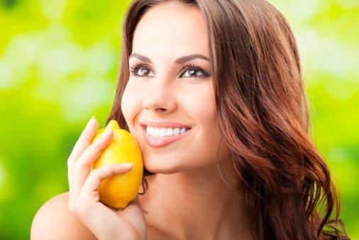 Cómo usar el limón para combatir las arrugas