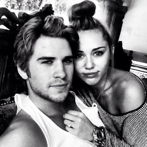 Liam Hemsworth deja a Miley Cyrus