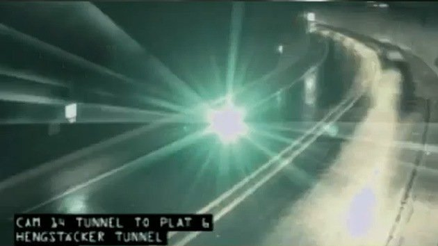 Video insólito: Ovni vuelca un camión en una autopista