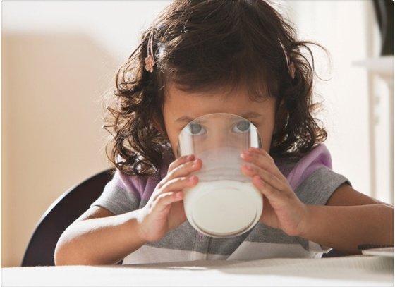 ¿La leche descremada adelgaza realmente?
