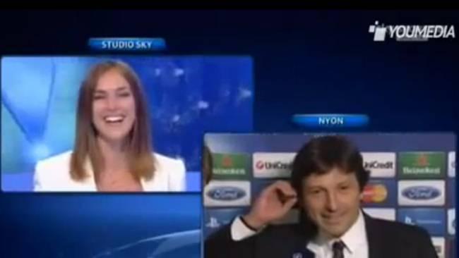 Director deportivo pide matrimonio a su novia en vivo - Video