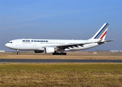 Aerolínea discrimina a una pasajera por su pasaporte