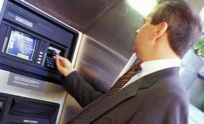Consejos para evitar robos al salir del banco o cajero
