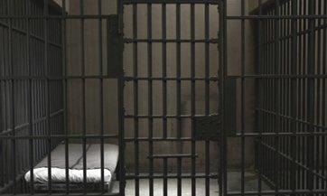 Insólito: Grecia crea centros de detención para deudores