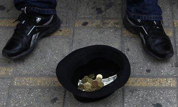 Presos de Chipre donan dinero debido a la crisis económica