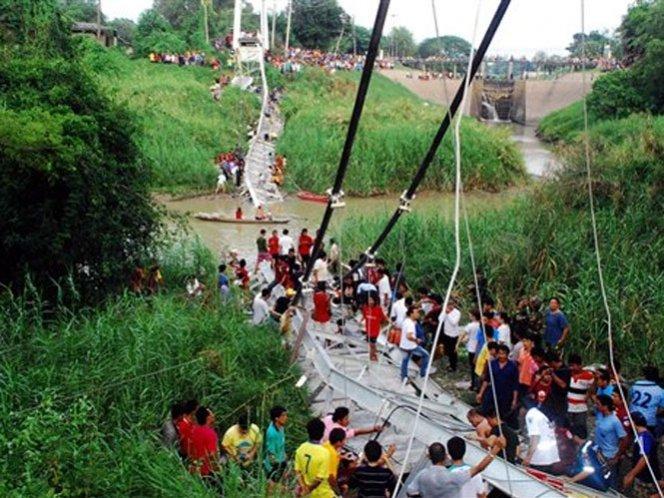 Cinco muertos en Tailandia por derrumbe de puente - Video