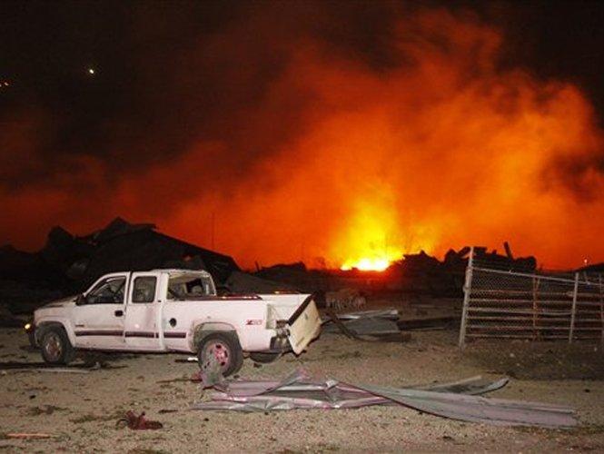 Explosión en Texas: estiman más de 50 muertos - Video