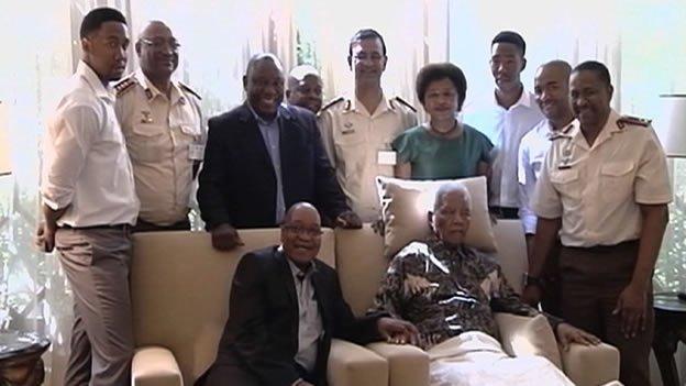 Video de Nelson Mandela indigna a Sudáfrica