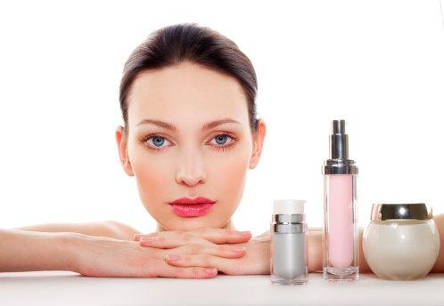 Los cosméticos menos útiles para toda mujer