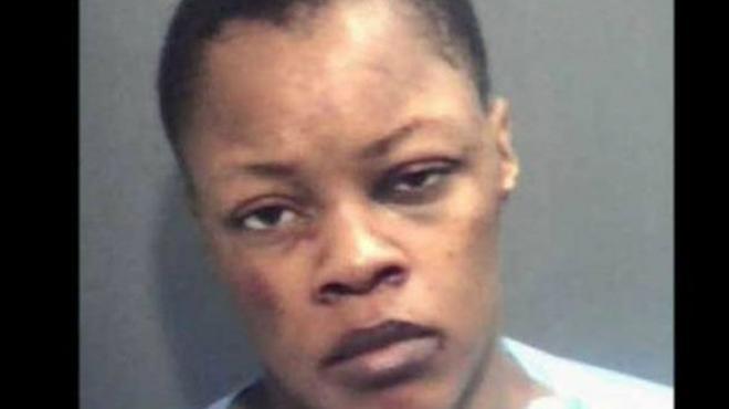 Detienen a prostituta por intentar comerse a su cliente