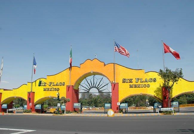 Denuncian a Six Flags México por discriminar a clientes
