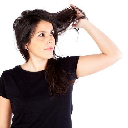 Alopecia por tracción: Causas, síntomas y tratamiento