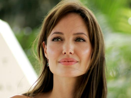Fallece la tía de Angelina Jolie víctima de cáncer de mama