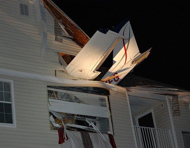 Avioneta se estrella en casa de Virginia, Estados Unidos - Fotos