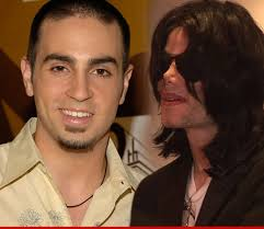 Bailarín acusa a Michael Jackson de abuso sexual