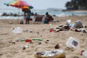 ¿Qué basura contamina más las playas?