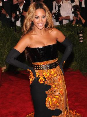 Beyoncé paga con alcohol a sus bailarines