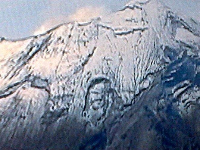Foto: Aparece el rostro de Cristo en el Popocatépetl