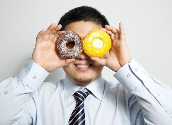 ¿La felicidad nos hace subir de peso?