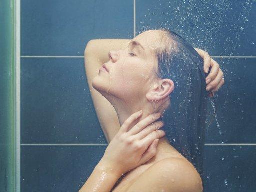 ¿Qué tan beneficioso es bañarse a diario?