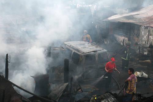Aumenta a 24 los muertos por explosión de una pipa en Ecatepec