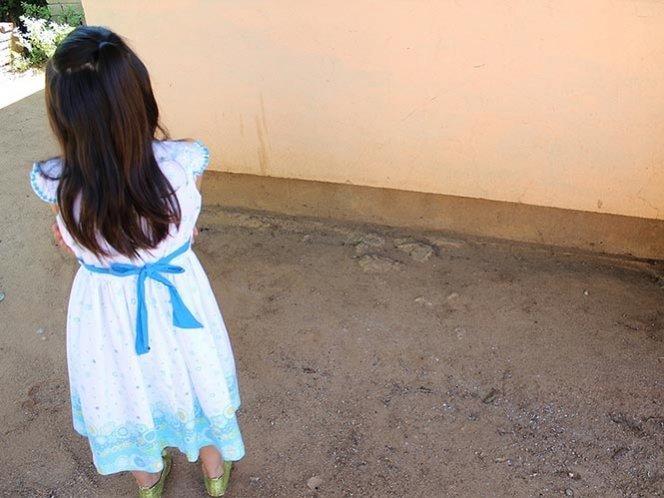 Encarcelan a mujer que vendía a su hija desde los siete años