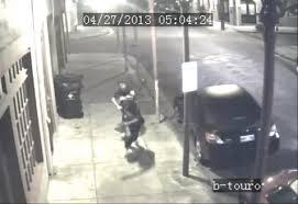 Video: Se enfrentó al ladrón y le robó el arma