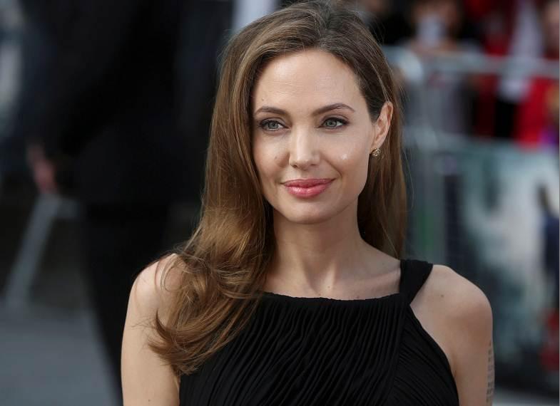 Fotos: Reaparición de Angelina Jolie tras mastectomía