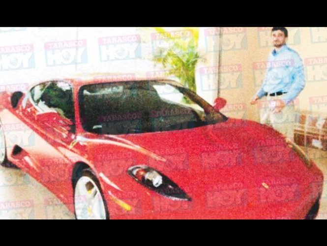 La Ferrari millonaria del ex tesorero de Andrés Granier - Fotos
