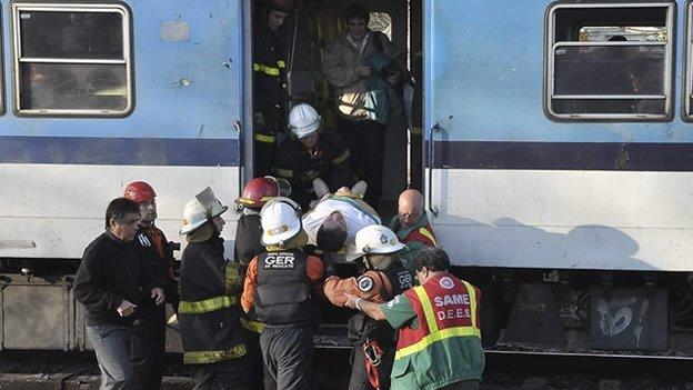 Argentina: chocan dos trenes; hay tes muertos y decenas de heridos