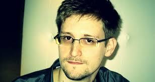 Vladimir Putin confirma que Edward Snowden está en Rusia