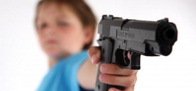 Niña de cinco años se pega un tiro en la cabeza y muere