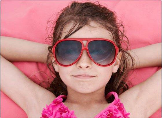 Por qué es malo usar lentes de sol de juguete