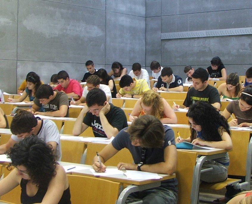 Cosas que influyen en las notas estudiantiles