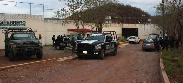 Matan a dos guardias de una prisión para liberar a reos