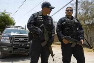 Hallan los cuerpos de una mujer y sus dos hijos en Sinaloa