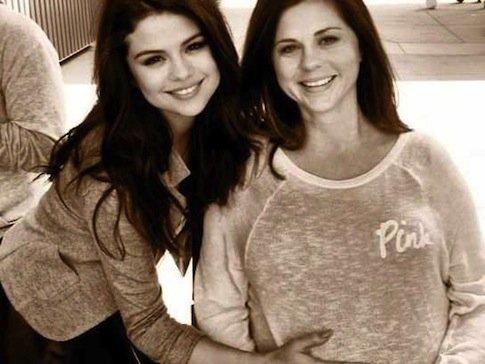 Ya nació la hermana de Selena Gómez