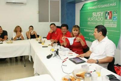 Candidata del PRI regala lencería en Cancún