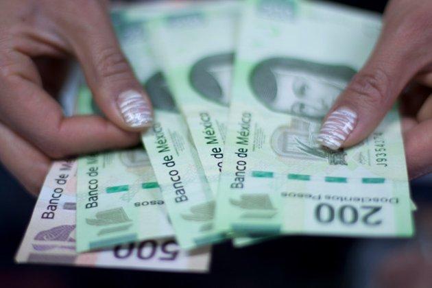 Edomex: Funcionarios se regalan bonos millonarios