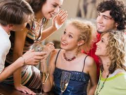 ¿Qué hace que una persona sea extrovertida?