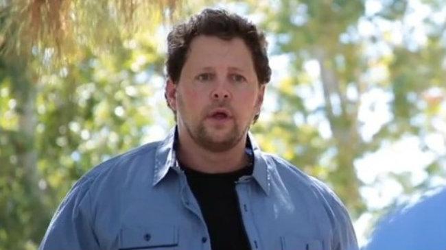 Video increíble: el hombre al que le falta la mitad del cuerpo