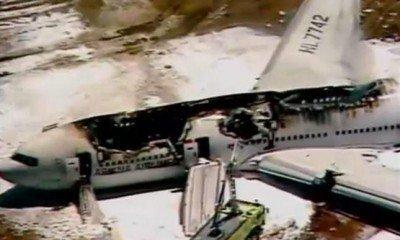 Video: el momento del impacto del avión en San Francisco