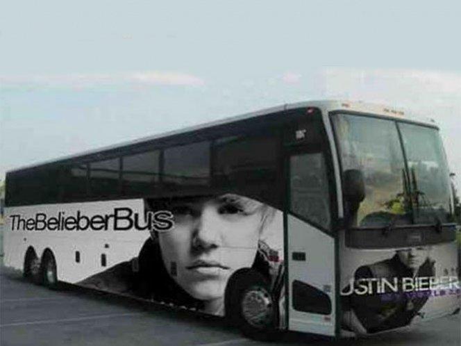 Hallan drogas en el autobus de Justin Bieber
