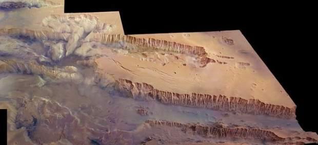 Fotos del cañón más grande del Sistema Solar