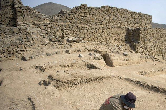Destruyen una pirámide milenaria en el norte de Lima