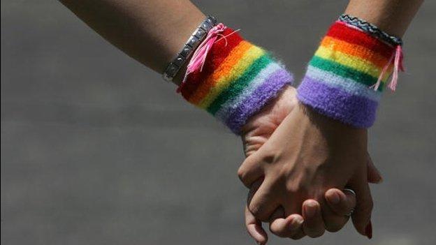 Colima declara válidos los matrimonios gay