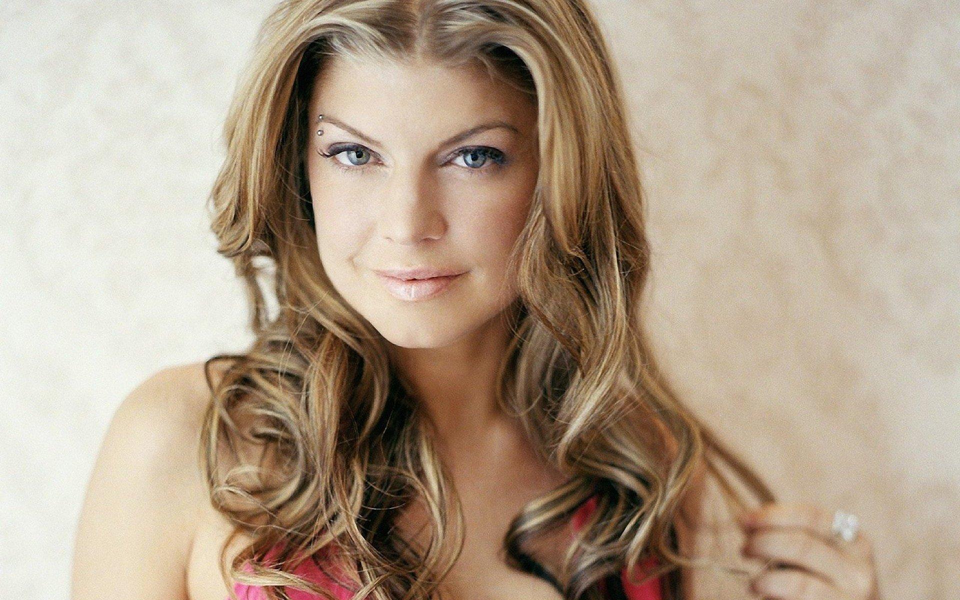 Fergie, cantante de The Black Eyed Peas, se cambia el nombre