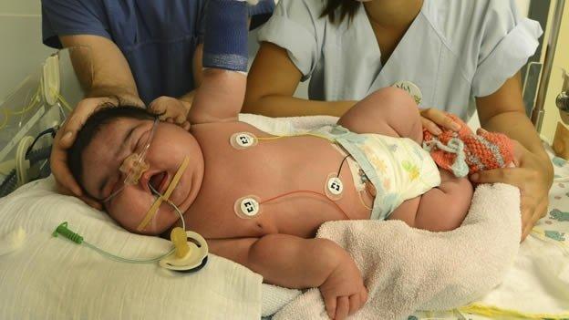Una bebé de más de seis kilos nació por parto natural
