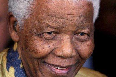 Nelson Mandela está en estado vegetativo